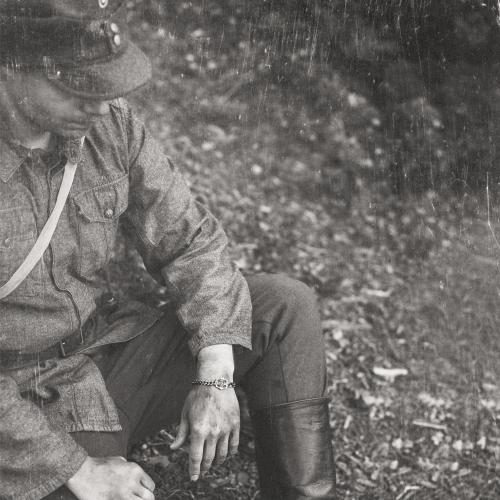 1917 Hopeinen Suomileijona Rannekoru