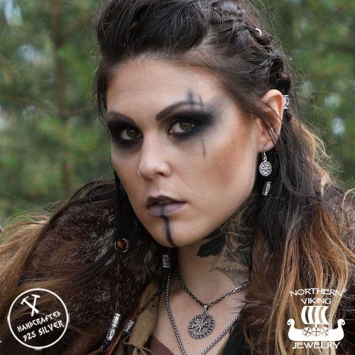 "Northern Viking Jewelry® ""925-Hopea Korvakorut Vegvisir"""